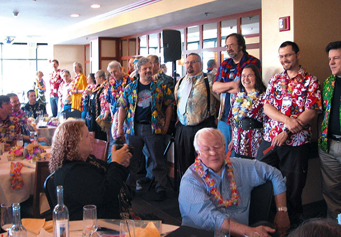 Hawai'ian shirt contest